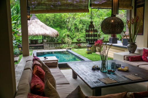 The Pearce's Home in Bali! Looks pretty Cozy!